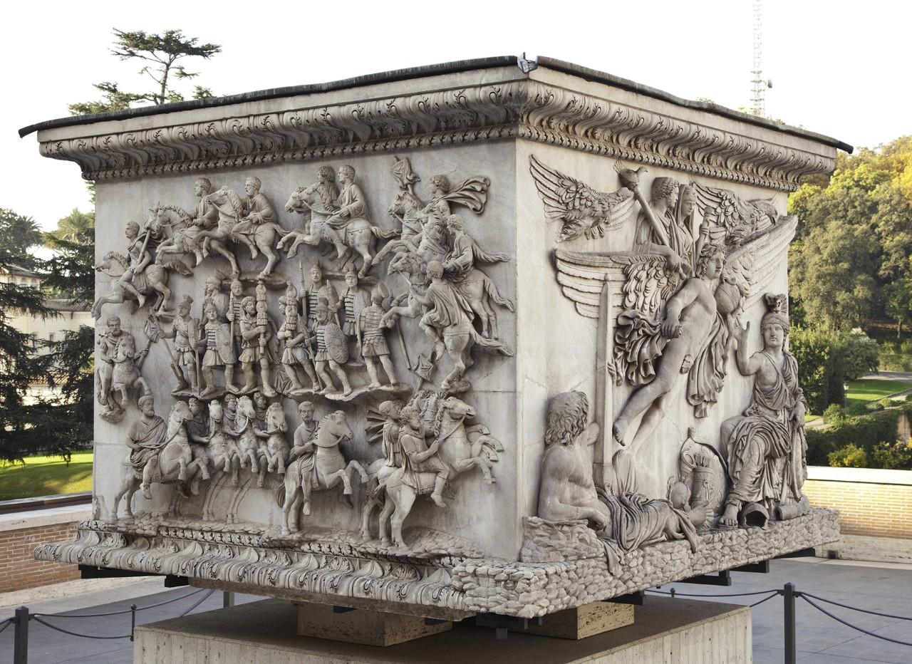 Pinacoteca courtyard vatican museums for Disegni base della cabina