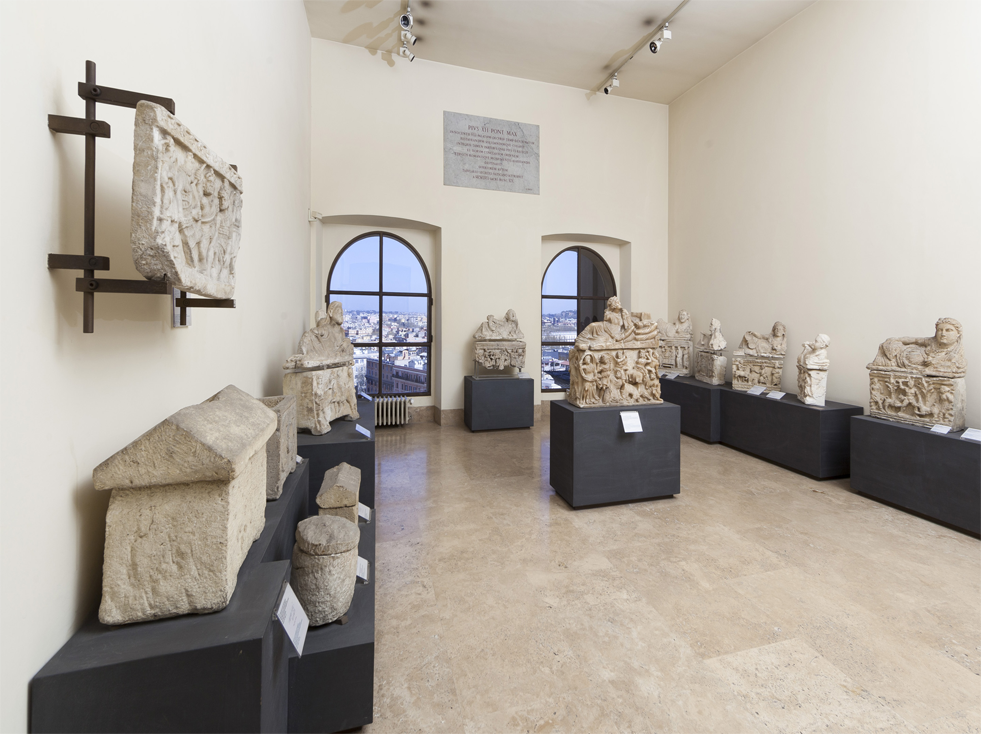 Rooms X and XI. Hellenistic Age Urns