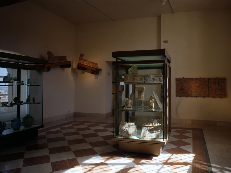 Room XV. Antiquarium Romanum, terracottas, glass, ivories