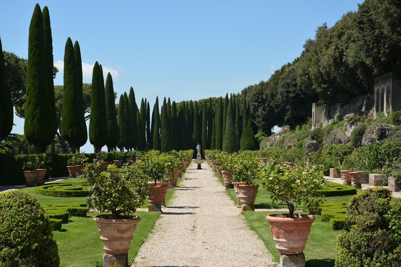 Il Papa Apre I Giardini Di Castel Gandolfo Musei Vaticani