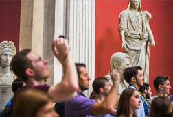 A special Sunday at the Vatican Museums: Guided tour – individuals