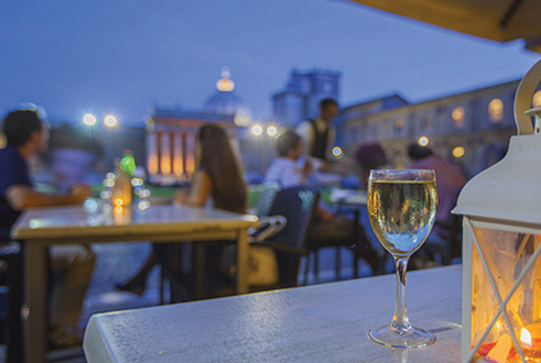 Night Openings: Open tour of the Vatican Museums and Sistine Chapel with Happy Hour